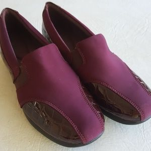 New Clark's 9 wide loafers